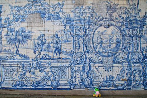 Yoshis y la ceramica portuguesa