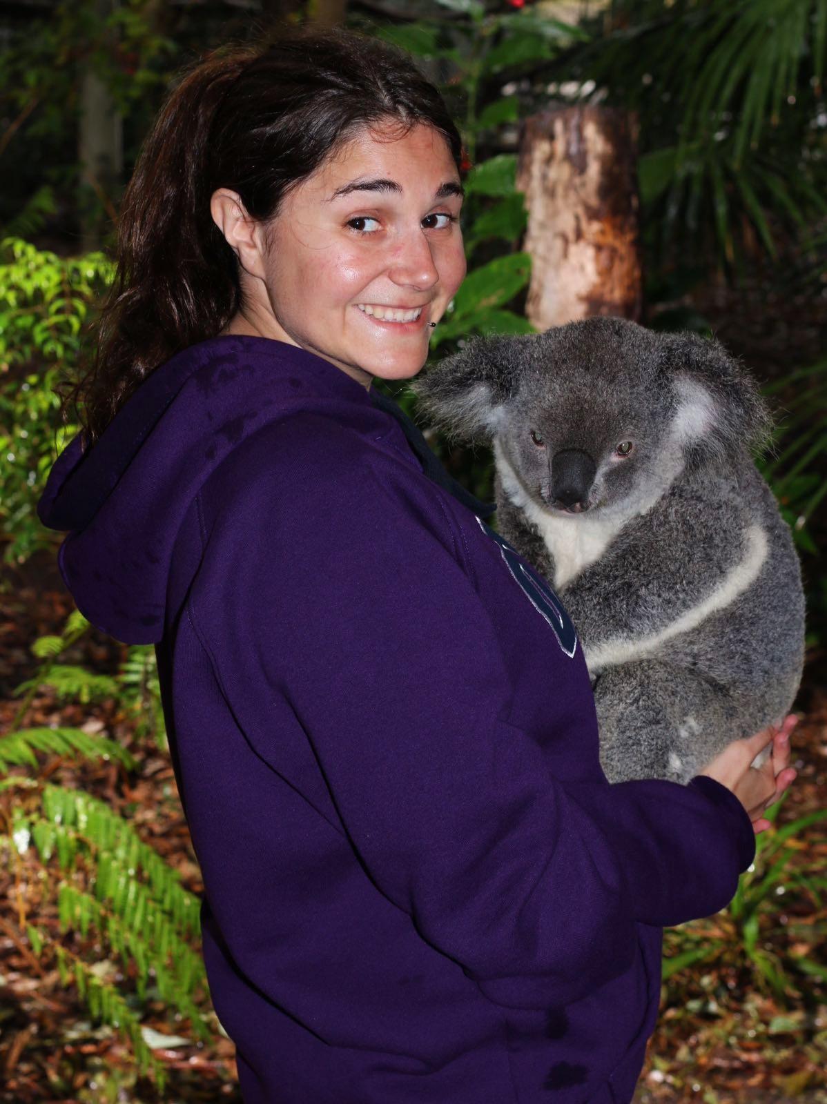 Carolina con koala