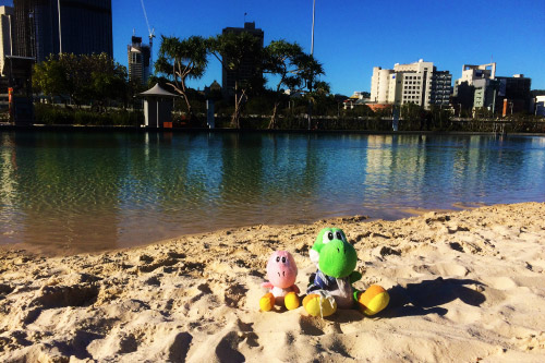 Los Yoshis en la playa del South Bank de Brisbane
